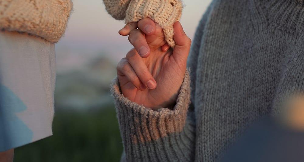 子育てとは輝きに溢れ例えようのない感情と愛で満ちている。